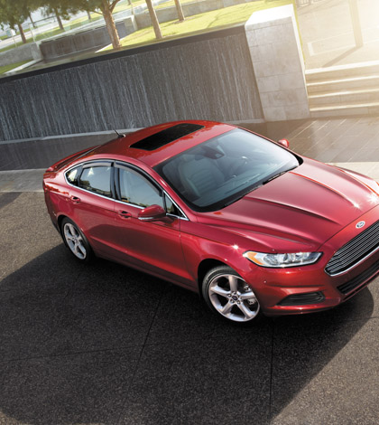 2013 Ford Fusion combines sport and convenience