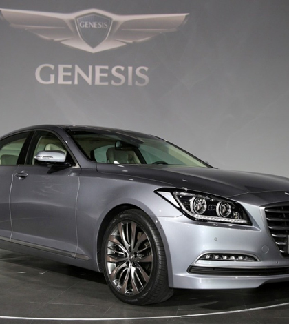 Hyundai prepares next Genesis for Google Glass